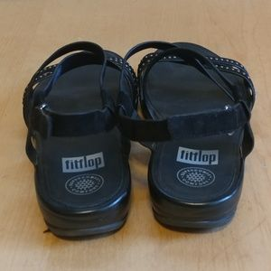fbc41293bc2dd Fitflop Shoes - FitFlop LIKE NEW strappy sandals